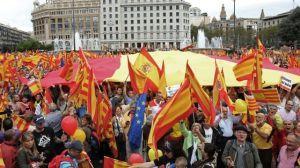 Miles-catalanes-defendieron-octubre-Espana_ECDIMA20131014_0002_4