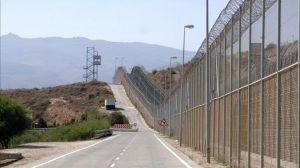 inmigrantes-asaltan-valla-fronteriza-Melilla_TINIMA20120819_0006_5