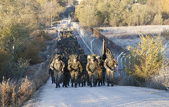Militares-Tierra-realizando-prueba-unidad_ECDIMA20150223_0021_16