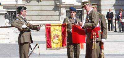 defensa-rey-ejercito-laureada-regimiento-alcantara-011012-portada