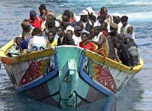 inmigrantes-africanos-cayuco-color