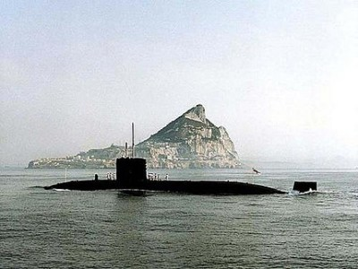 HMS SUPERB OFF COAST OF GIBRALTAR. 20/07/94 LA(P) DAVE THEXTON NE-94-294-A-06