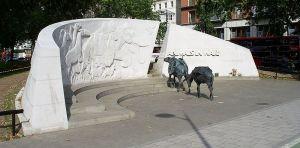 800px-Animals_in_War_memorial