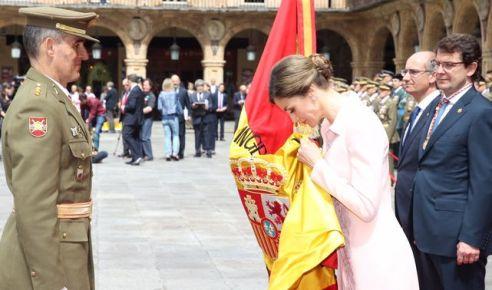 bandera-entregada-Regimiento-Especialidades-Ingenieros_ECDIMA20160613_0009_21