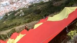 Foto 2. Una bandera española sobre el peñon