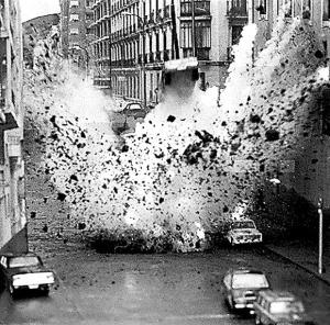 """MAQUETA ATENTADO CARRERO BLANCO: Madrid, 28/03/1977.- Maqueta del atentado contra el almirante Luis Carrero Blanco que le costó la vida. La maqueta se realizó para la película """"Comando Txikia"""", cuyo director es José L. Madrid y el guionista Rogelio Baón. EFE (Newscom TagID: efesptwo073855) [Photo via Newscom]"""