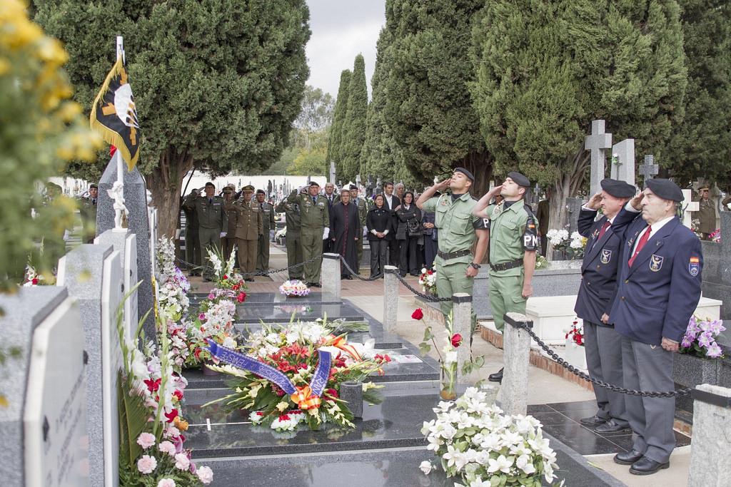 Visus militis la soledad de los muertos general emilio for Cementerio jardin de alcala de henares